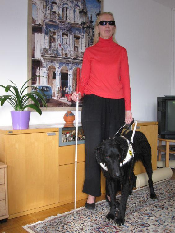 Da sind wir: ich und mein Blindenfürhund  Cassandra